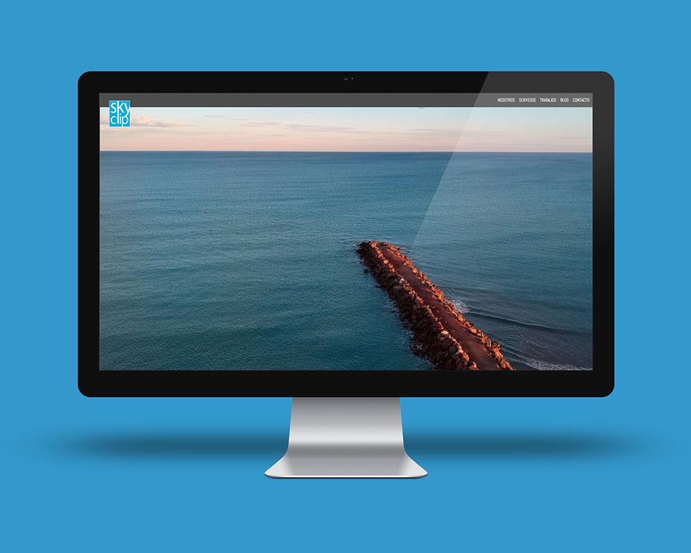 SkyClip, web de una empresa multimedia que usa drones para sus trabajos.